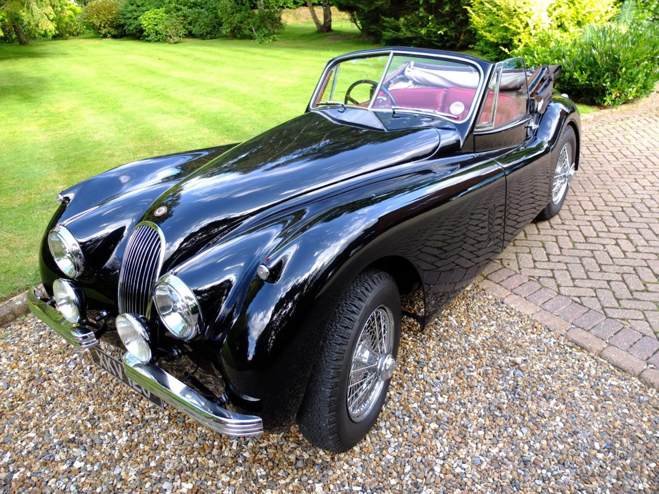 Rent 1954 Jaguar XK120 in London (rent for £400.00 / day ...