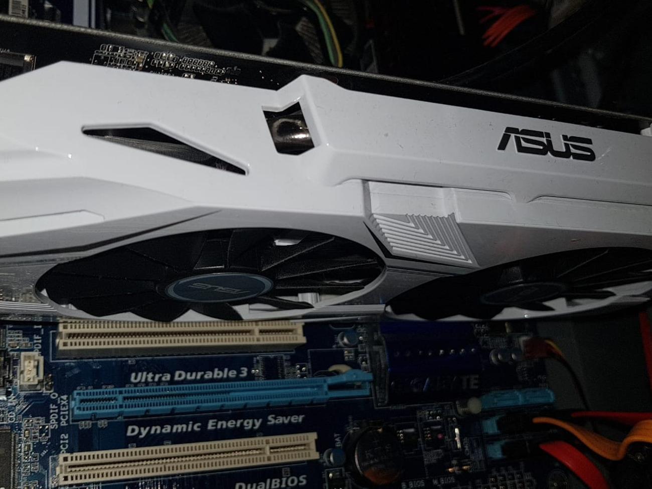 ASUS NVIDEA DUAL GTX 1060 6Gb, used less than 3 days + box