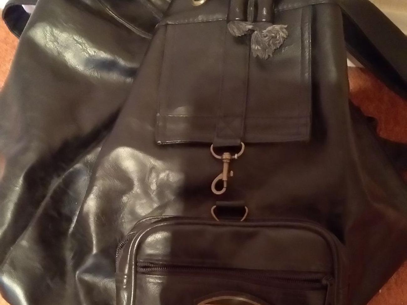 Buy black leather shoulder bag Daniel Ray | Fat Llama