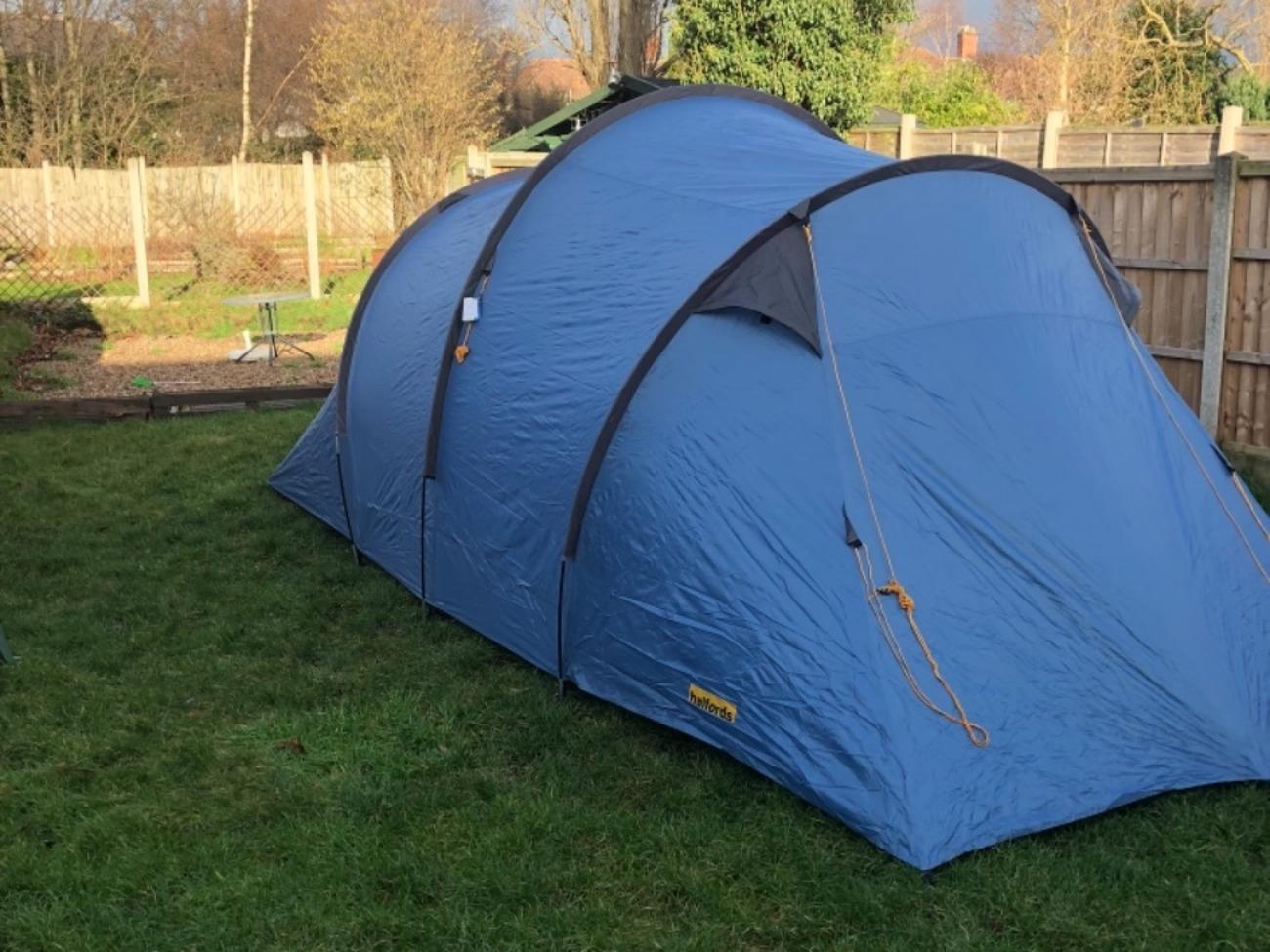 Rent Halfords 4 man tent in Nottingham (rent for £6.00 ...