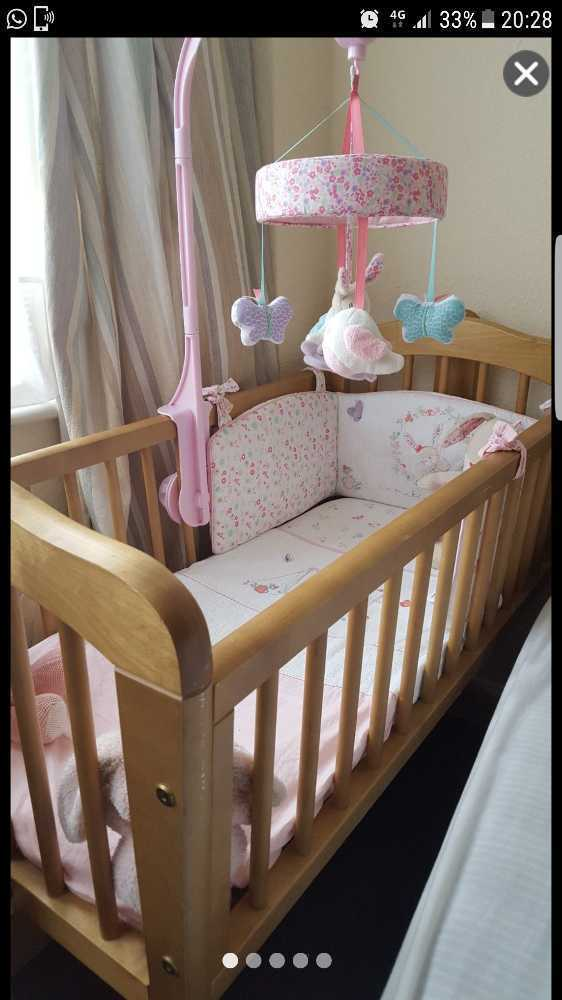 innovative design f640a 83b18 Mothercare Swinging Crib & Mattress With Matching Bumper, Bedding, Mobile &  Teddy
