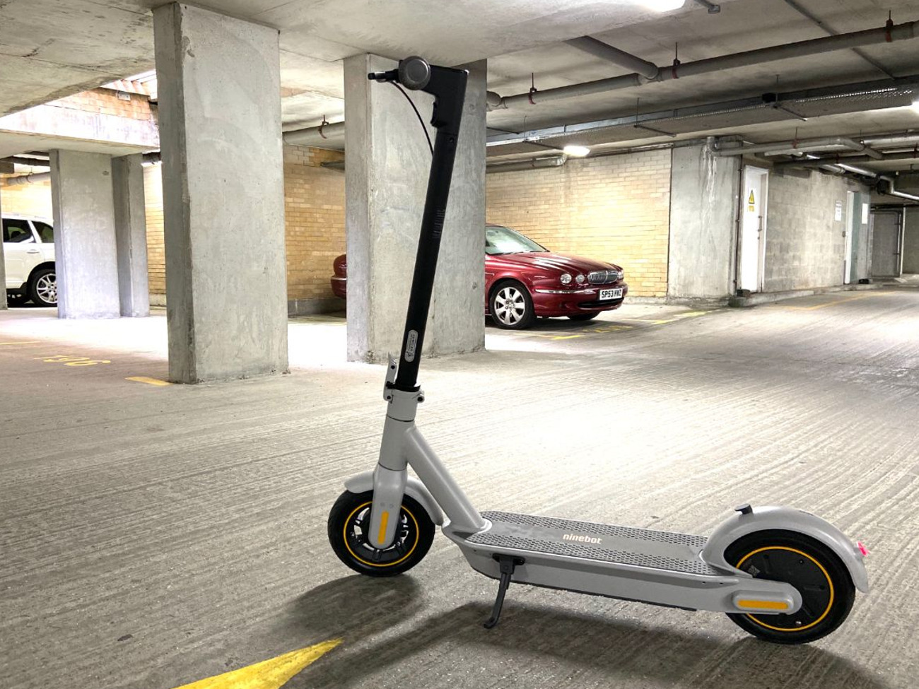 Rent Ninebot Max G30lp Electric Scooter In London Rent For 10 00 Day 7 86 Week
