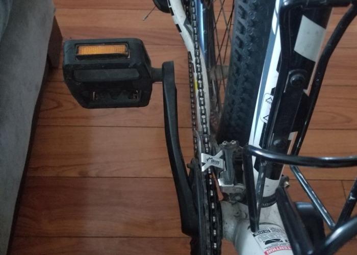 bike-fuji-69643004.jpg
