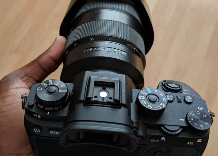 (Bundle) Sony A9 (with battery) + 24-70mm f2.8 GM - 1