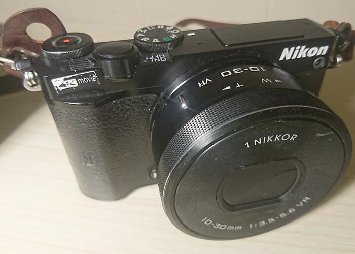 NlK0N 1 J5 Mirrorless Digital Camera with 10-30mm Lens - Black package - 2