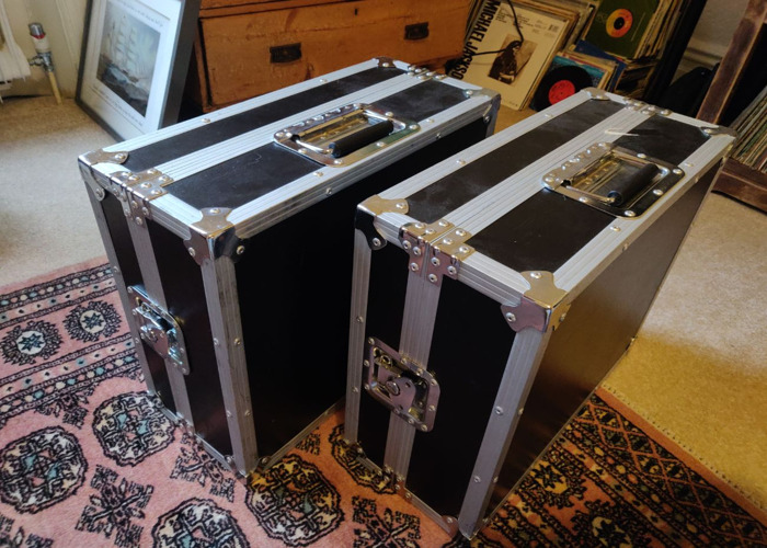 1210 Technics Turntables X2 with Flight Case - 2