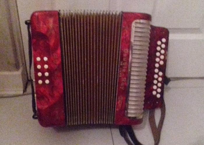 1938 Hohner Double Ray De Luxe accordion - 1