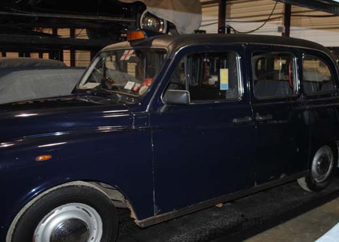 1971 Morris Taxi - 2