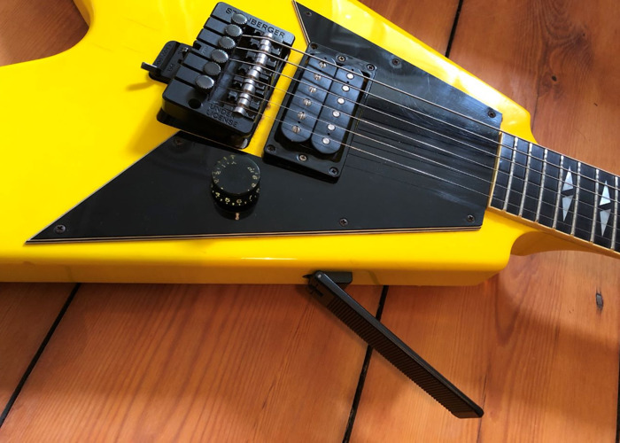 1988 Gibson Flying V Nuclear Yellow Electric Guitar - 2