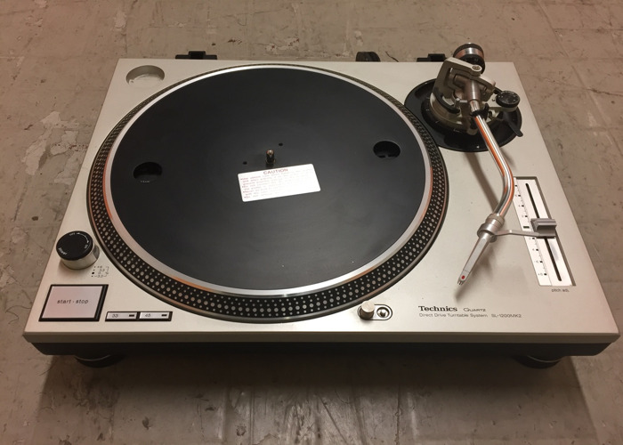 rent 1x technics sl 1200mk2 turntable with pro dj deck ortofon pro