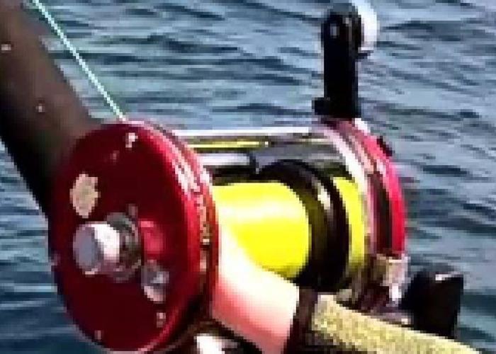 2 x boat beach fishing reel - 1