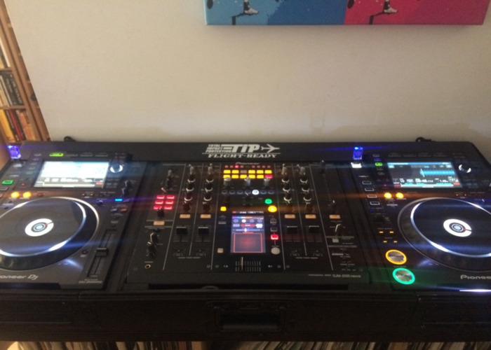 2 x-cdj-2000nxs2-x-djm-mixer-and-monitor--72667047.jpeg