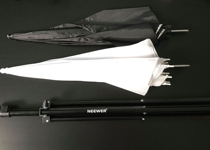2 x Light Stands + 2 x Diffusion + 2 x Reflector Umbrellas  - 1