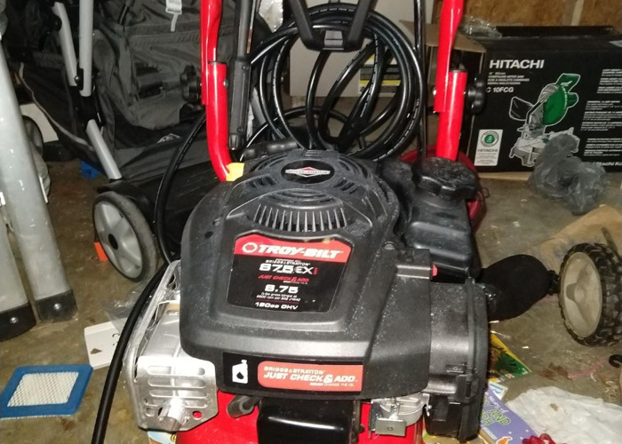 2800 psi-gas-pressure-washer-96174221.jpg
