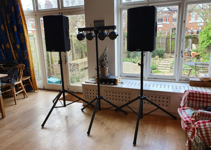 2x 600W Speakers + Lighting bar *Party Package* for parties, weddings, bands, DJs - 1