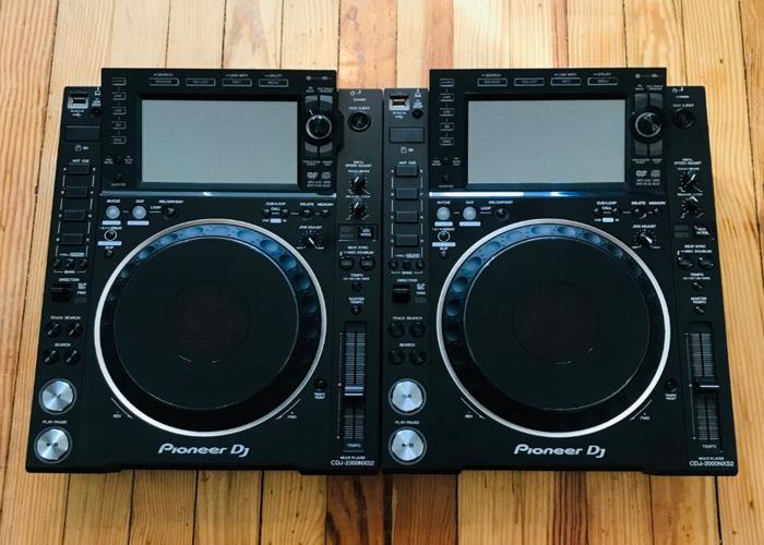 2x Pioneer CDJ 2000 NXS2 - 1