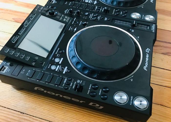 2x Pioneer CDJ 2000 NXS2 - 2