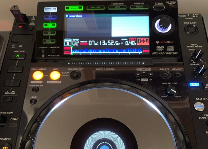 2x CDJ2000NXS  - 1