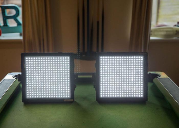 2x felloni-led-panel-lights-64331844.jpg