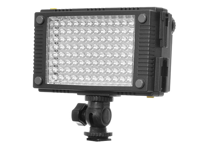 2X F&V HDV-Z96 PORTABLE LED LIGHTS  - 2