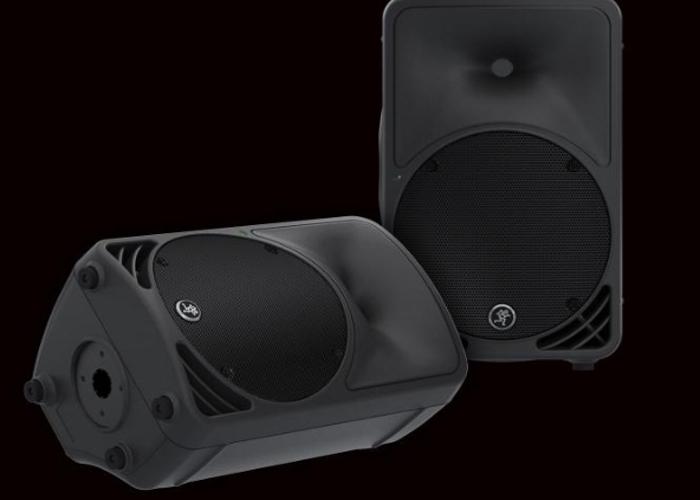 Speakers - 2x Mackie 450 Speakers  - 2