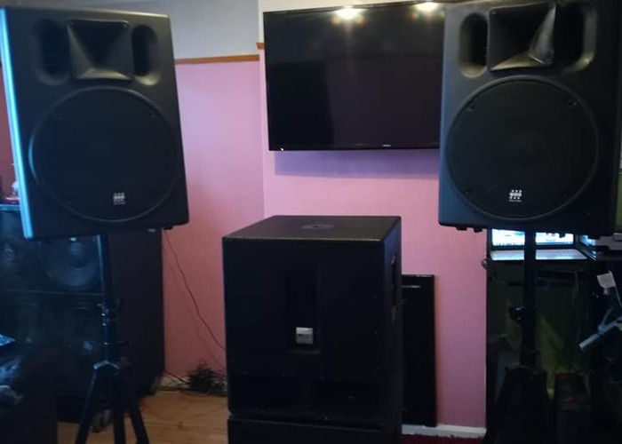2X Mackie Active Powered Speaker srm 450 2000W - 2