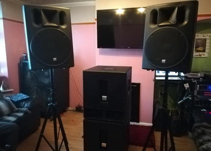 2X Mackie Active Powered Speaker srm 450 2000W - 1