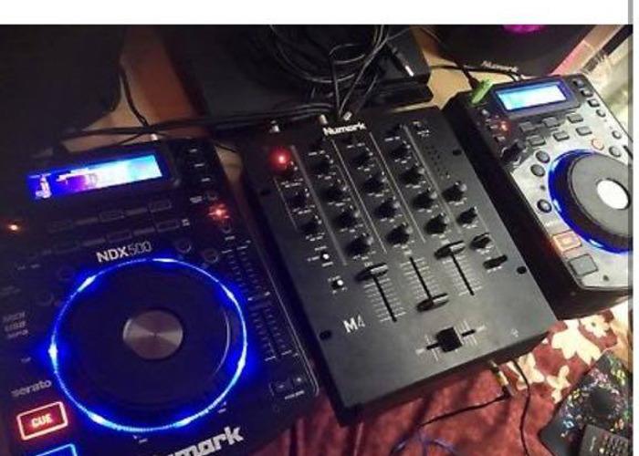 2x Numark Ndx 500 & Numark M4 Mixer - 2