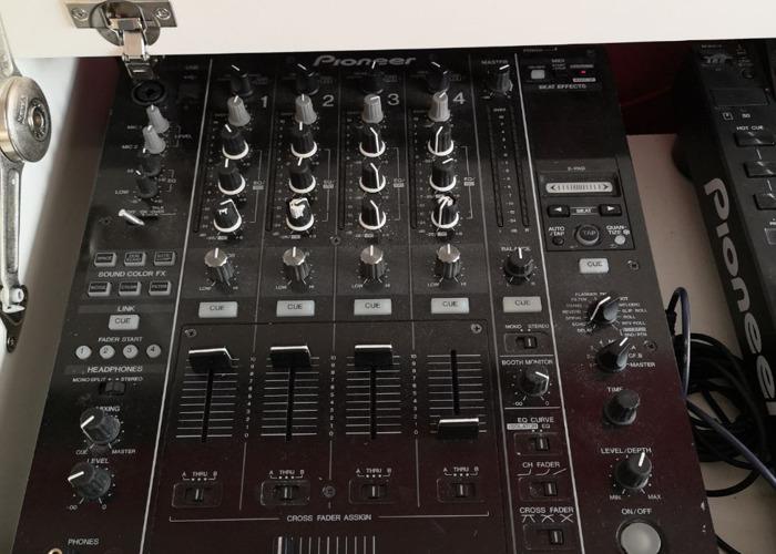Rent 2x Pioneer CDJ 2000 Nexus & DJM 900 mixer in Isleworth