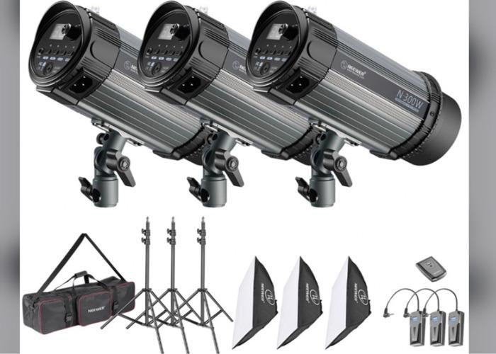 3 piece flash lighting kit 900 watt Neewer - 1