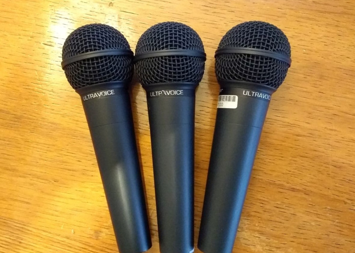 3 x Behringer XM8500 Ultravoice Dynamic Vocal Microphones - 1