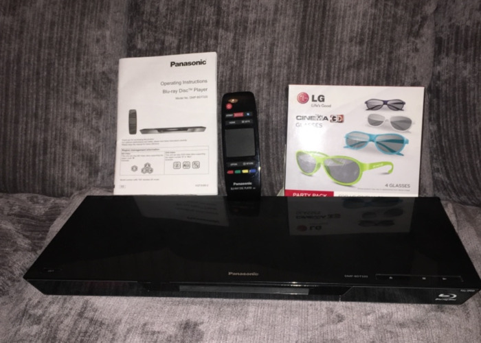 Blu-Ray  DVD player with Glasses  - 1