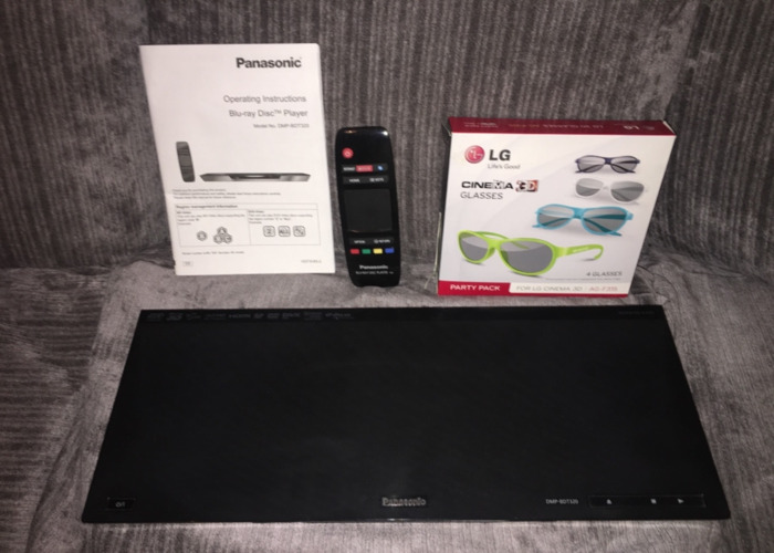 Blu-Ray  DVD player with Glasses  - 2