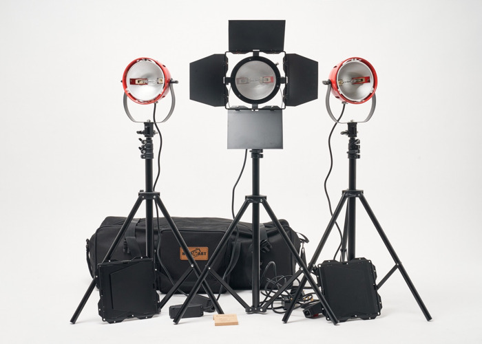 3X Red Head 800W with Barndoors, Stands, Carry Case - 1