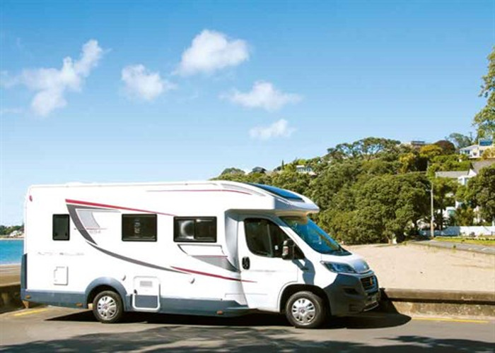 4 Berth Auto-Roller 694/Zefiro 696 Automatic Motorhome with  - 1