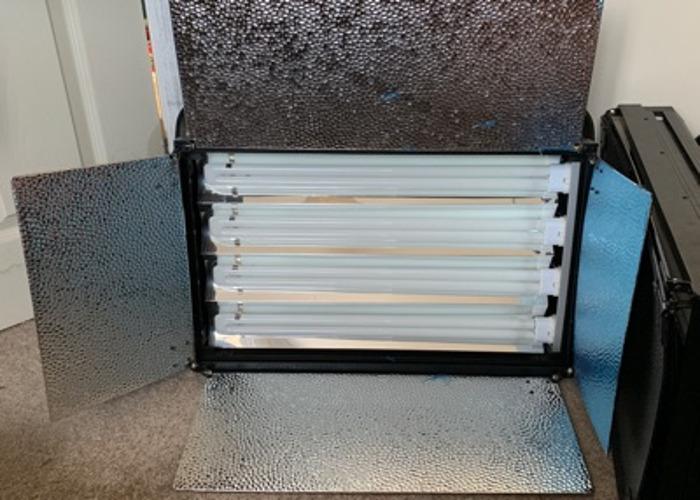4bank Fluorescent tube lights - 1