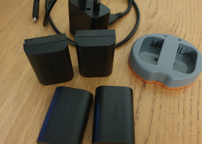 4x canon batteries + charger - 1