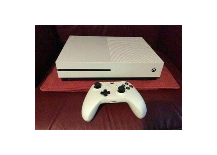 500GB MINT CONDITION XBOX ONE - White - 1