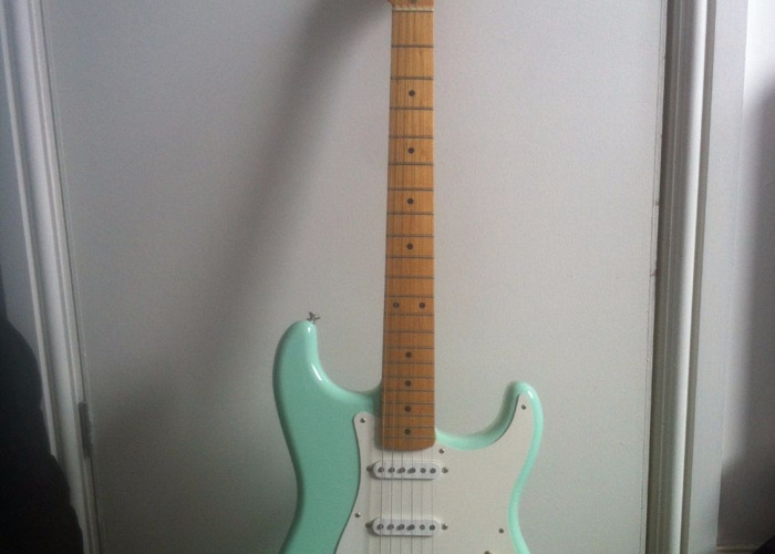 50s reissue mexican stratocaster w/ Custom shop pickups! - 2