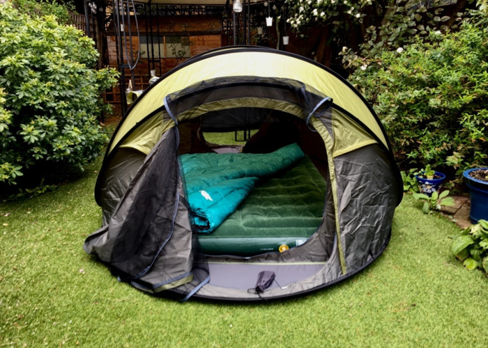 5-6 man pop up tent / automatic / collapsing / folding.  - 1