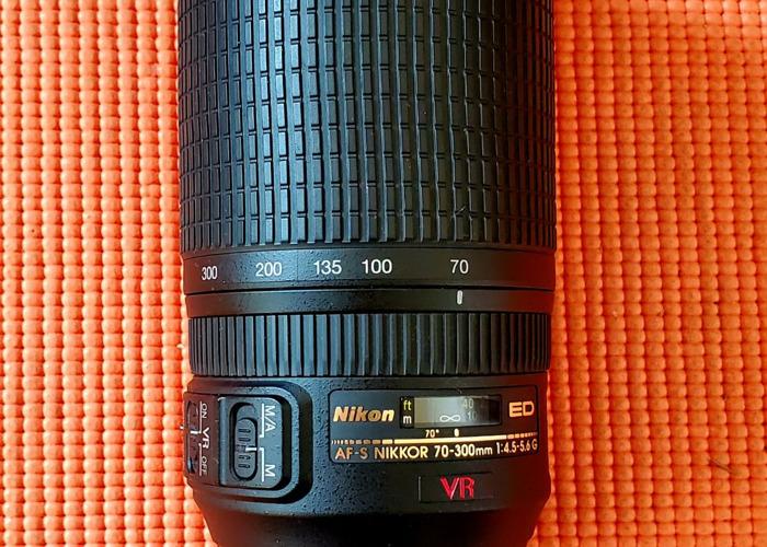 70-300MM NIKON VR 4.5-6.5 Focal Length. Full Frame Lens  - 1
