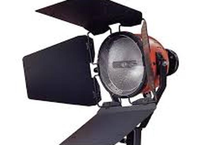 800 Watt Ianiro Red Head Video Light In London
