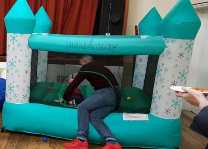 Castillo hinchable para niños de 8 pies x 8 pies - 2