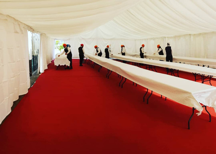 9x18m Marquee with basic white lining and red carpet - 1
