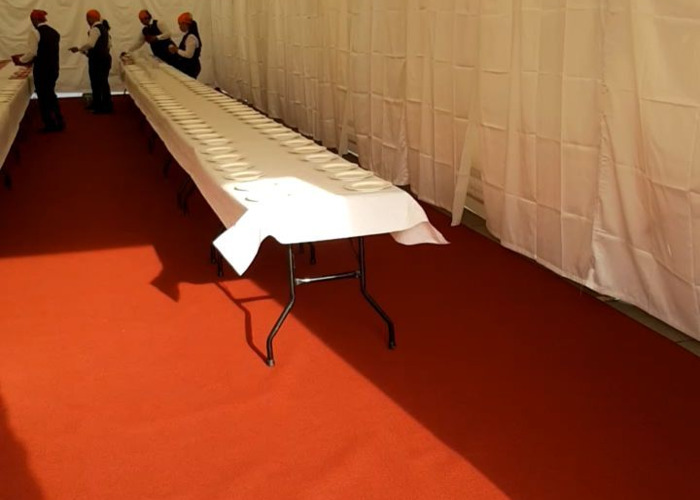 9x18m Marquee with basic white lining and red carpet - 2