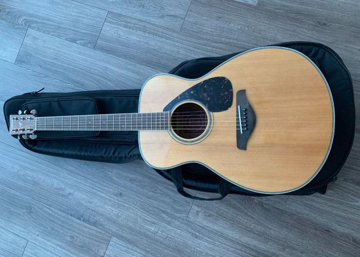 Acoustic Guitar Yamaha FS 720S with transport bag - 1