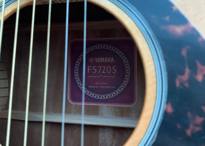 Acoustic Guitar Yamaha FS 720S with transport bag - 2