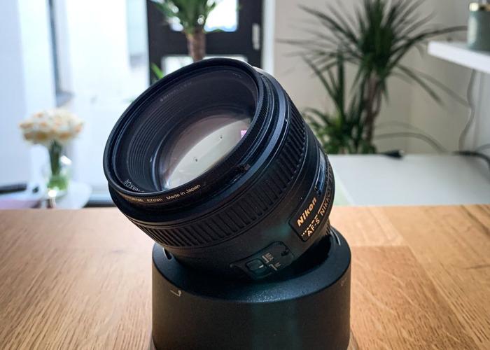 AF-S NIKKOR 85mm f/1.8G - 2
