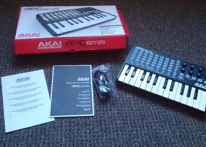 AKAI APC Key 25 | Ableton Live Controller with Keyboard - 1