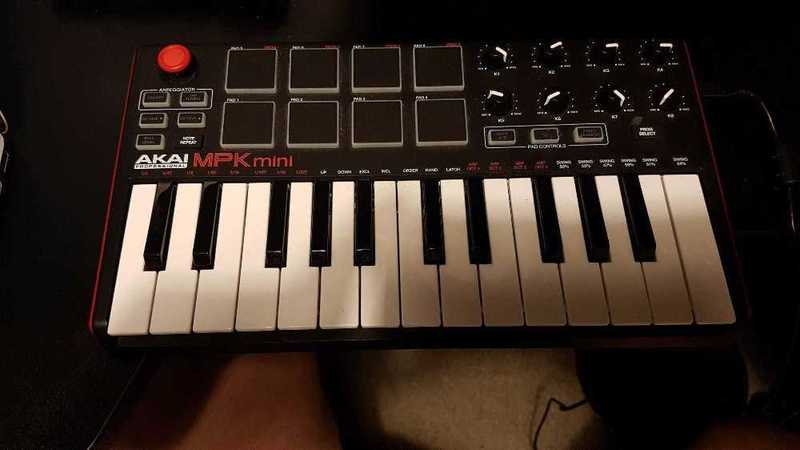 Akai MPK Mini MKii Midi Keyboard - 1